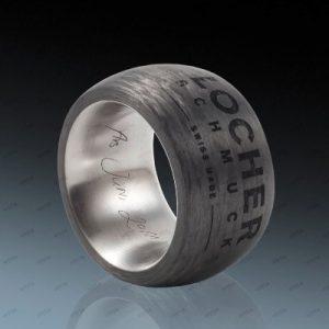 Locher Schmuck carbon ring gravur